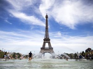 Effel Tower in France (Photo: Etienne Laurent, EPA)