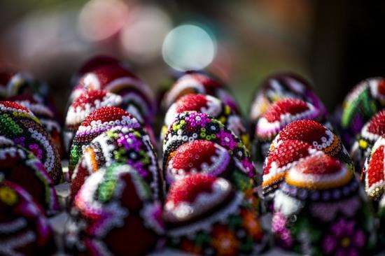 bucovina-easter-egg-craft-romania-peace-noodle