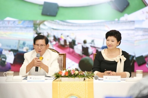 Chairman Lee of HWPL and Chairwoman Kim of IWPG at the press conferenceonthe1st Annual Commemoration of September 18th WARP Summit