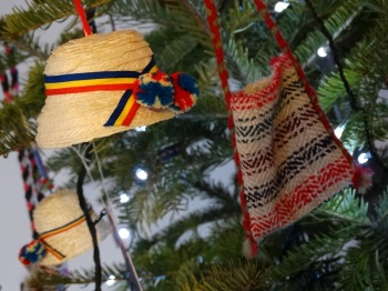 traditional-art-hats-romania-peace-noodle